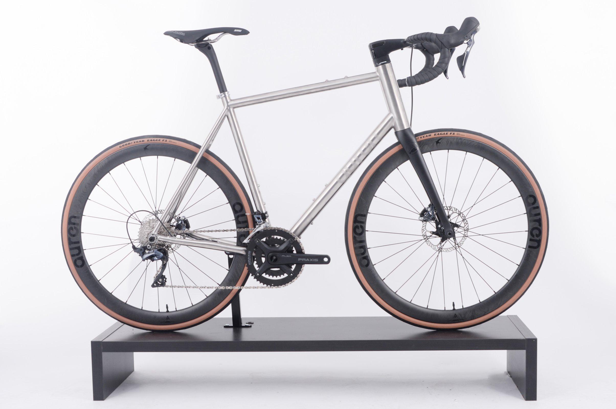 FYXO-6368 AUREN Swift Disc Road Titanium Bike