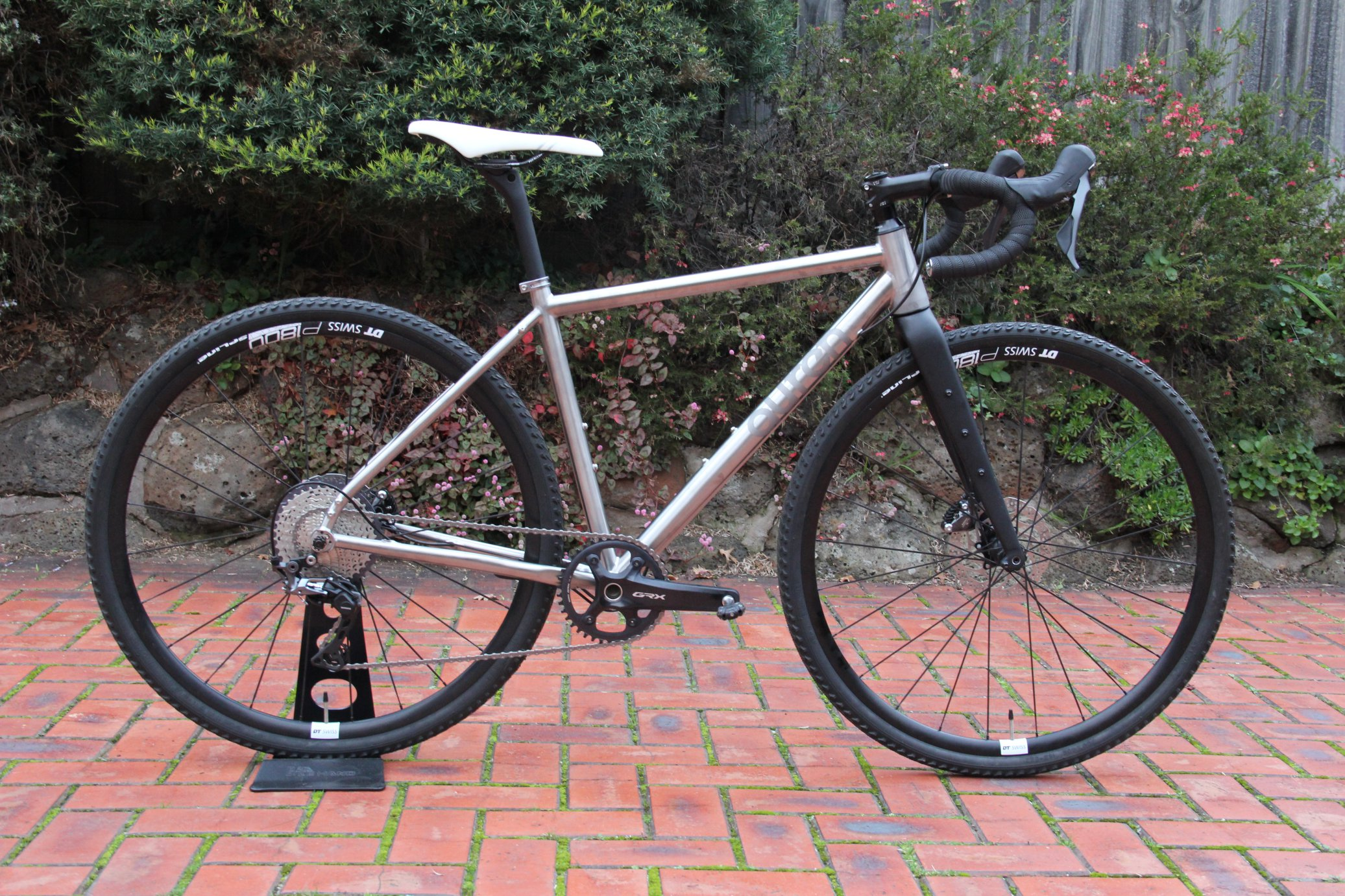 AUREN Swift Gravel Titanium Bike 700x40C